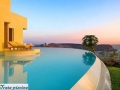 Costa-Careyes-villa-infinity-pool-in-Mexico